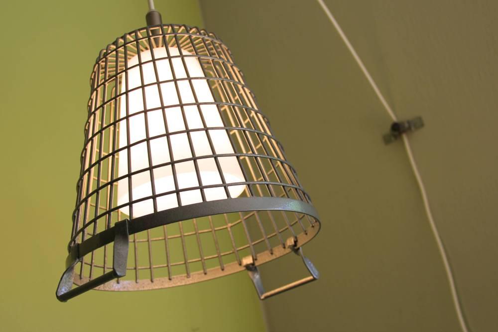 Home Office Pendant, https://hammerlikeagirl.wordpress.com/2013/09/05/make-a-home-office-pendant-light/